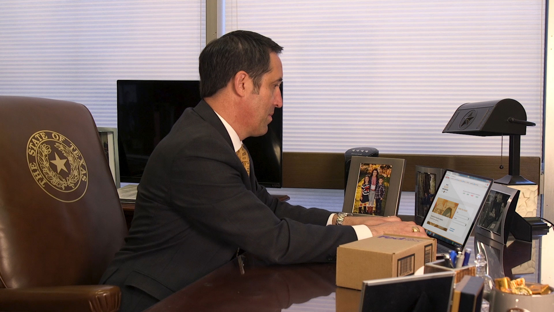 download Comptroller Glenn Hegar logging into TexasBullionDepository.gov